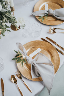 gold and grey wedding table ideas