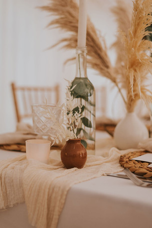 brown and neutral wedding table decor
