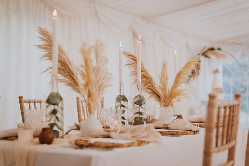 papmas grass wedding table decorations