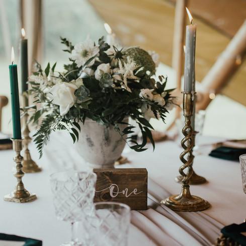 SIMPLE WHITE FLORAL WEDDING CENTRE PIECE