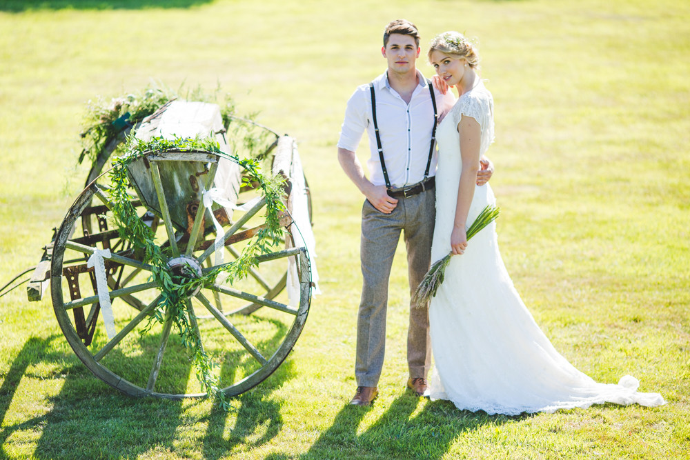 rustic farm wedding in Leicestershire