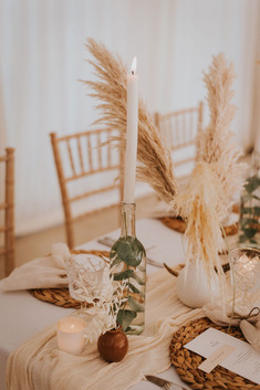 nautral wedding styling