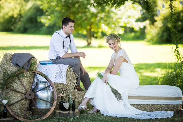 rustic wedding decor hire