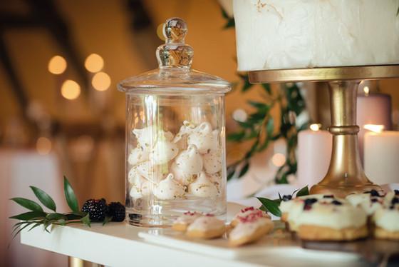 sweat treat table ideas tipi wedding