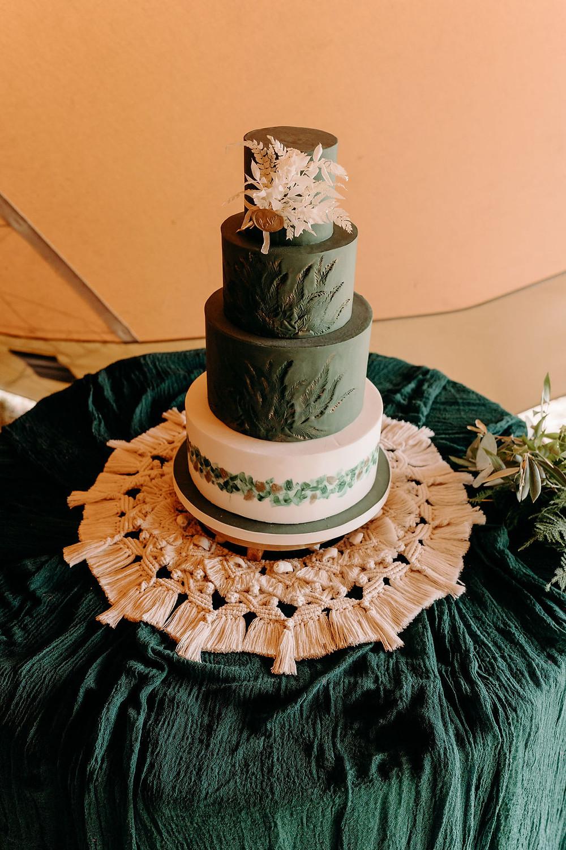 dark green wedding cake