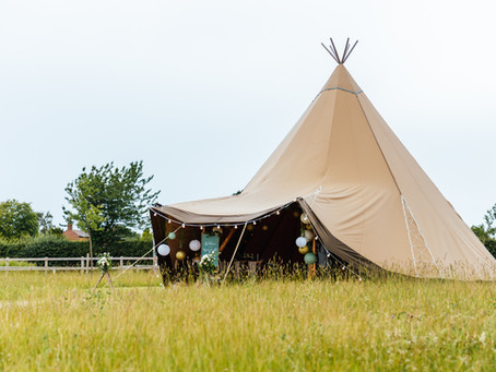 Micro Tipi Wedding Inspo: Meadow Vale Wedding Venue