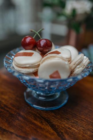 copper macrame macaron cake table ideas