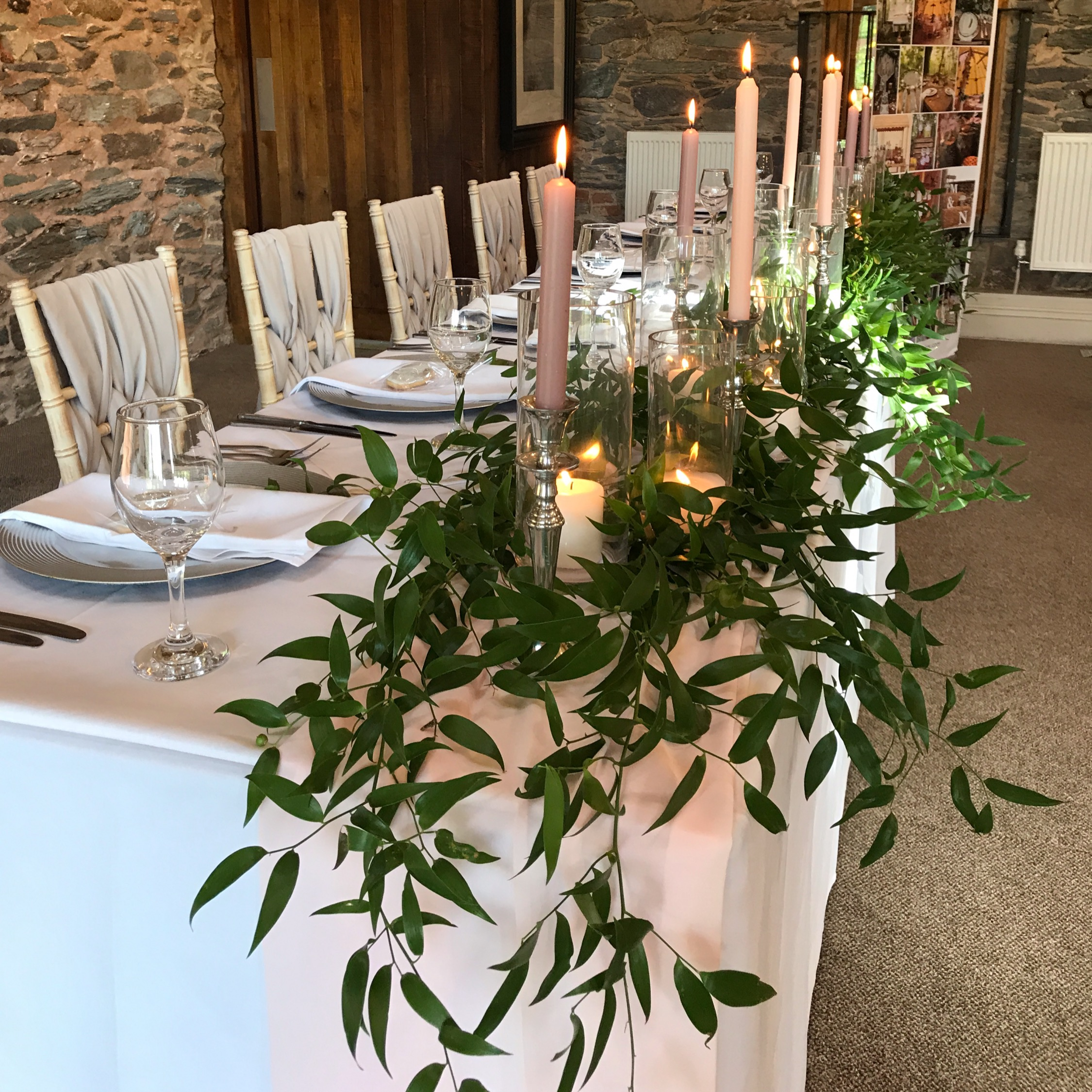 TOP TABLE GREENERY