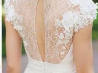 Vestidos de noiva com flores em 3D