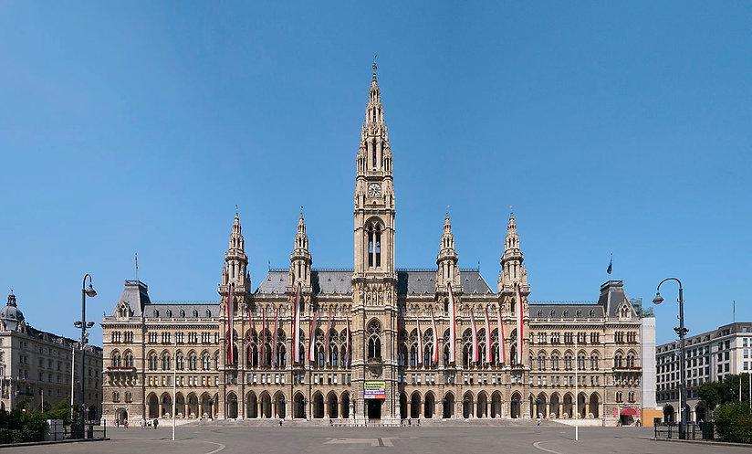 1200px-Wien_Rathaus_hochauflösend.jpg