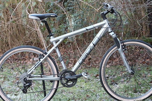 Medium Giant Agressor One mountain bike