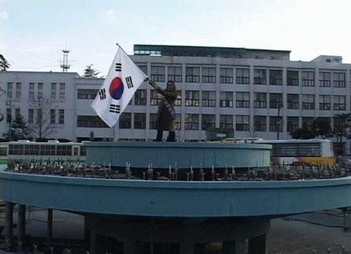 박경주_이주노동자 선거유세 퍼포먼스 광주_싱글채널비디오_2005
