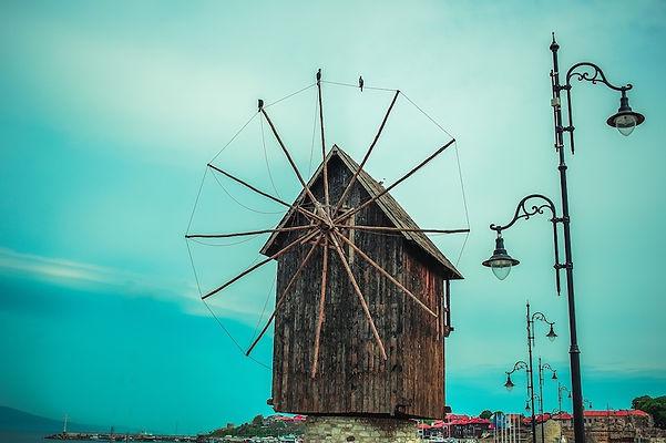 Windmühle in der Altstadt von Nessebar in Bulgarien