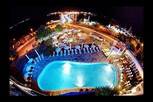 Nachtaufnahme vom Hotelpol in Nessebar