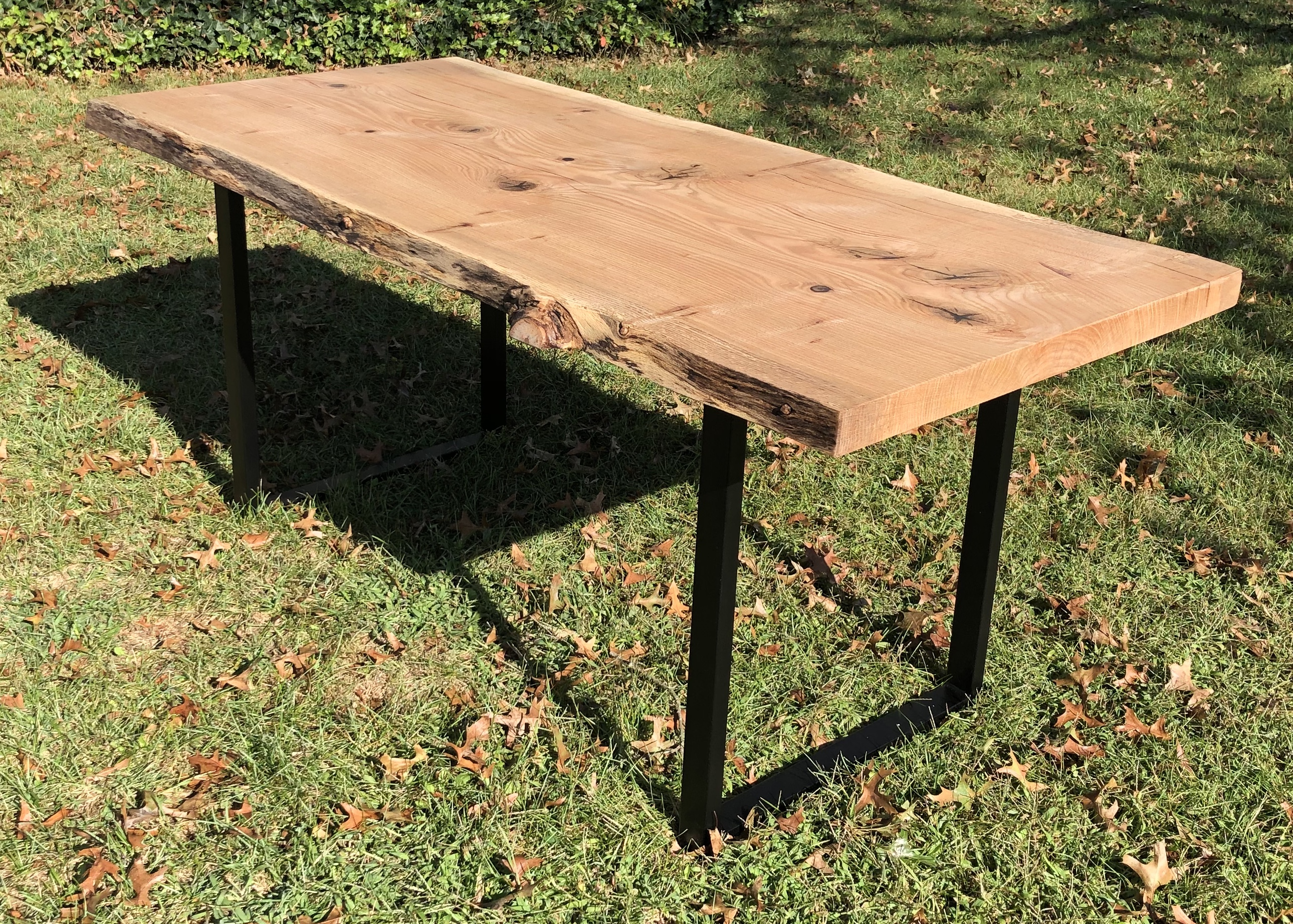 Año Nuevo custom Live Edge Farm Table