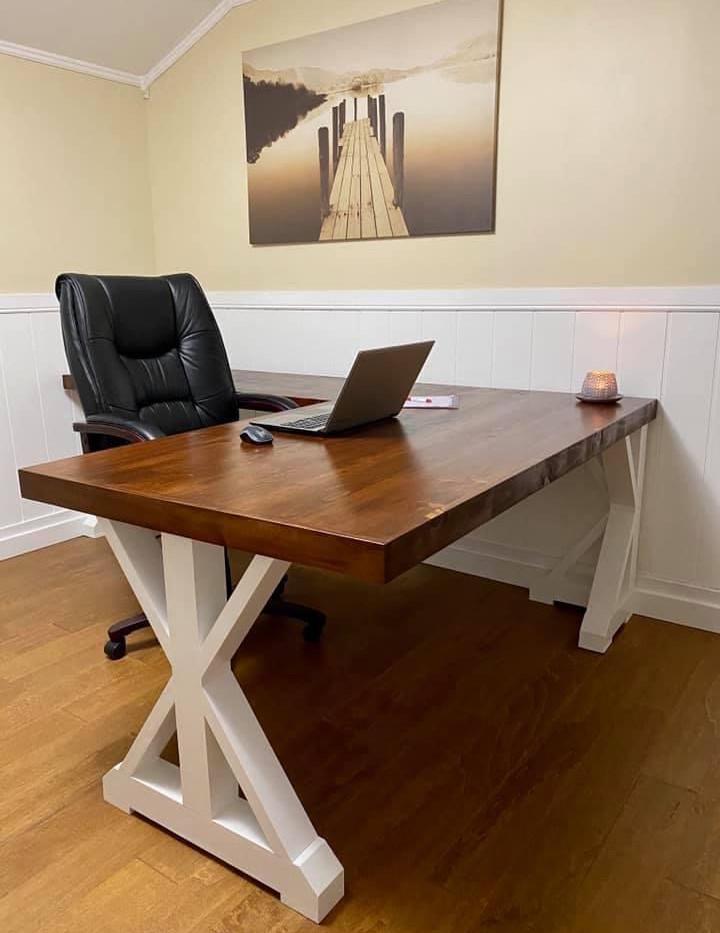 IMG_7301.jBoomer Farmhouse Deskpeg