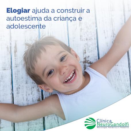 Elogiar ajuda a construir a autoestima da criança e adolescente