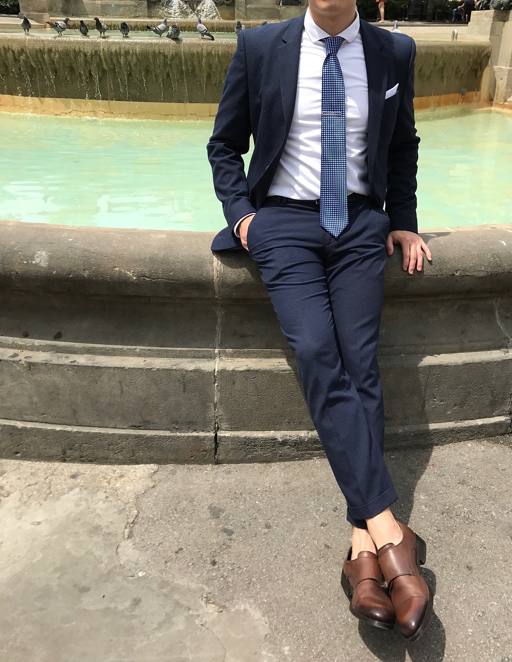 suit, no-show socks, fountain, barcelona
