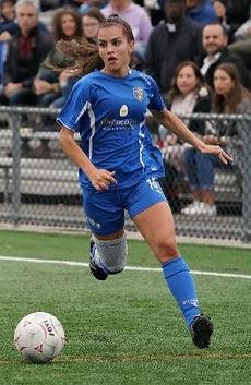 chomedey soccer club U17 AAA girls photo by Paul Tzemopoulos