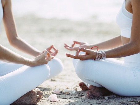 4 Holistic Habits That Help Minimize Stress and Keep You Productive During Your Work Day