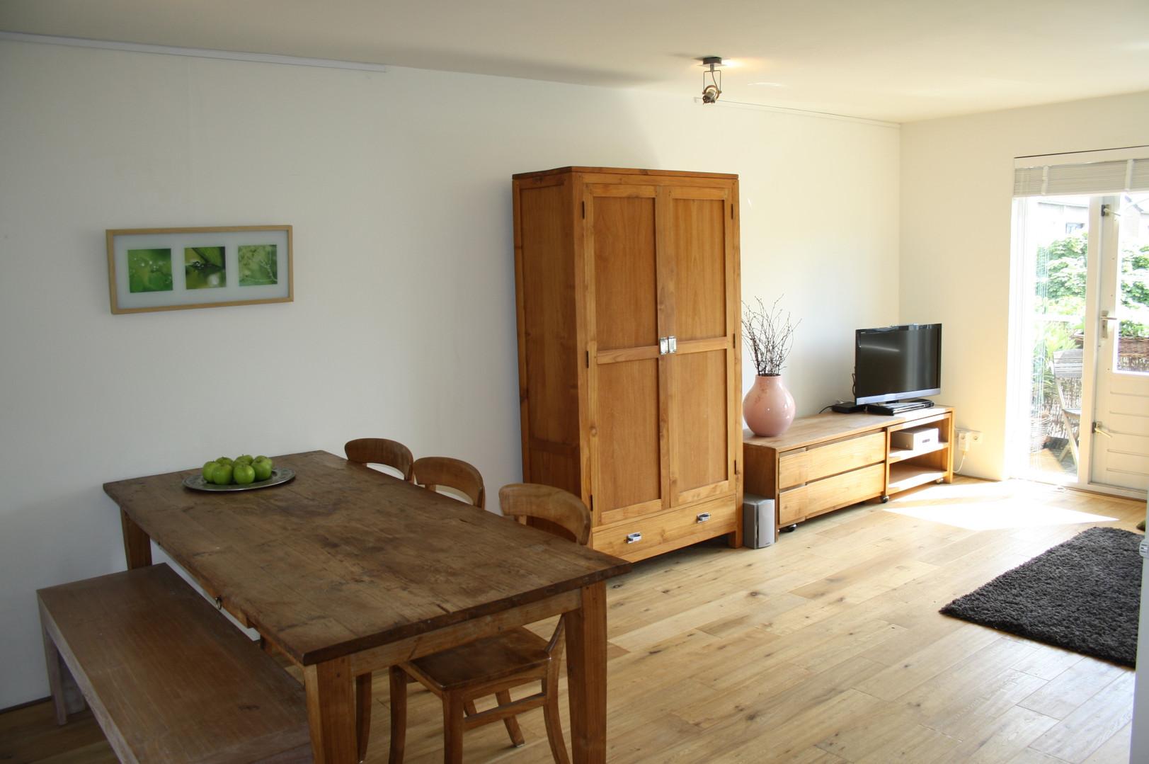 HouseofKIKI_Eetkamer_appartement_na.jpg
