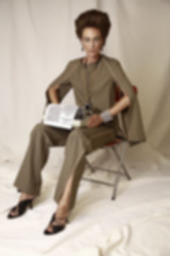 חליפה משכית עגילים וענק פאולה ביאנקו צמי