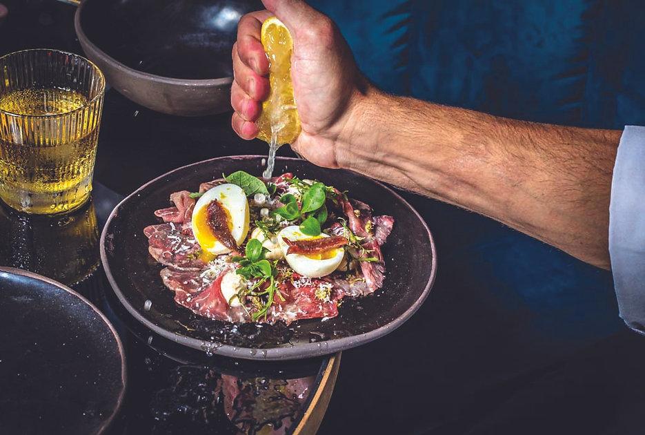 מסעדת פופה-מנה. צילום גיל אבירם