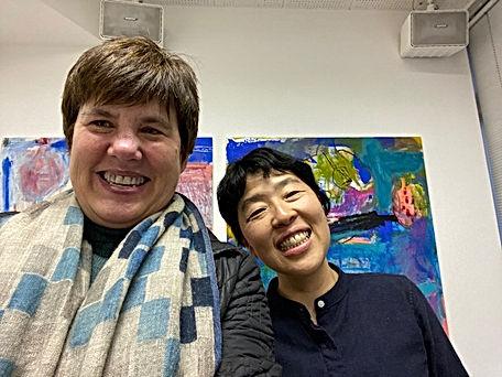 photograph of contemporary Japanese print dealer Allison Tolman of The Tolman Collection of New York with artist SAITO Noriko
