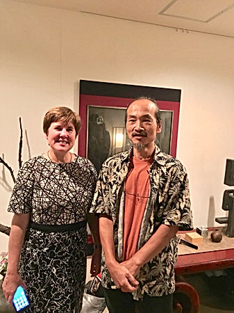 photograph of contemporary Japanese print dealer Allison Tolman of The Tolman Collection of New York with artist FUDEZUKA, Toshihisa