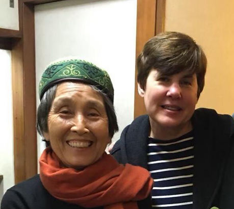 photograph of contemporary Japanese print dealer Allison Tolman of The Tolman Collection of New York with artist ODA Mayumi