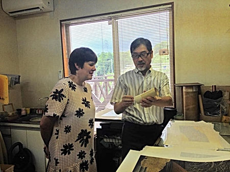 photograph of contemporary Japanese print dealer Allison Tolman of The Tolman Collection of New York with artist HAMANISHI Kazunori