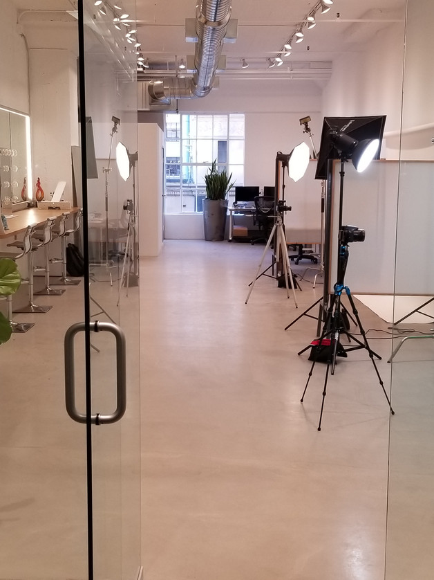 PHOTOGRAPHY AND VIDEOGRAPHY STATIONS