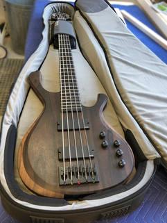 jon-kelsey-guitar-front-in-case.jpg