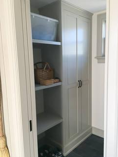 JK-custom-woodworking-maine-entryway-clo
