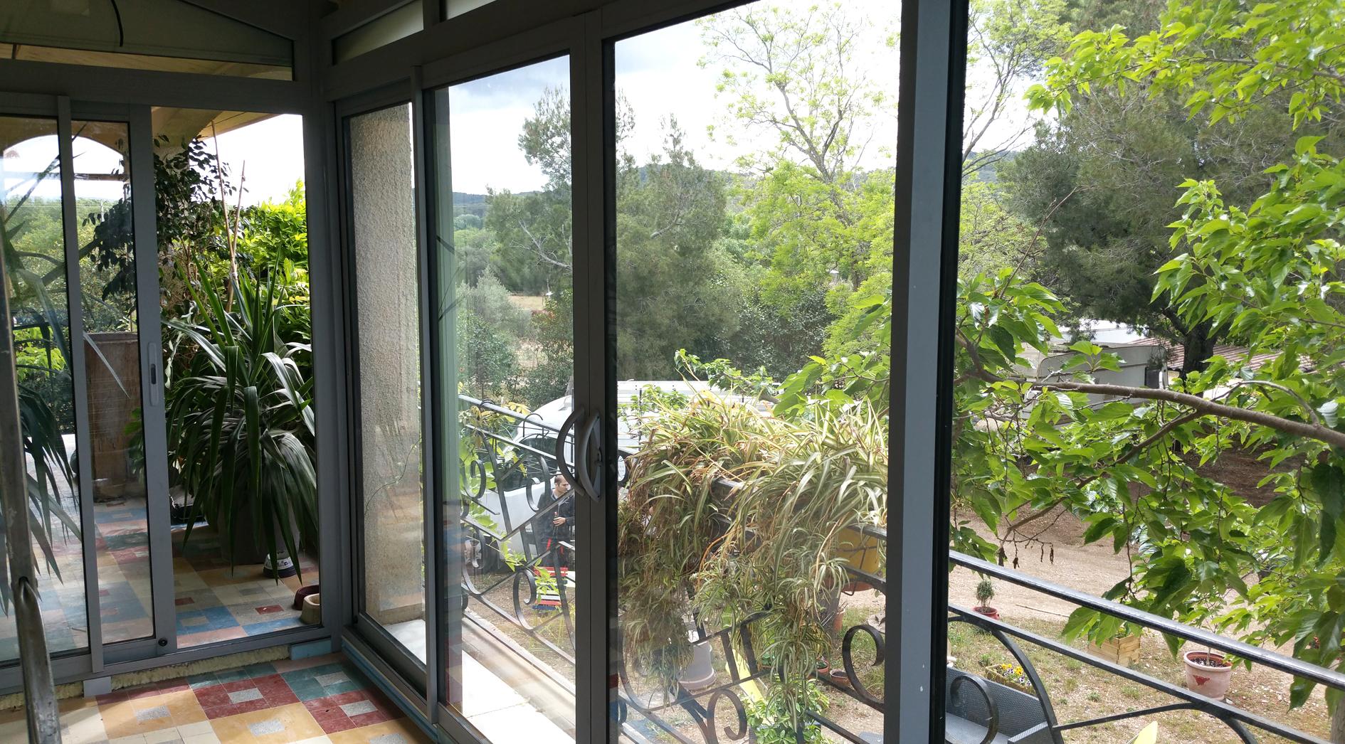 c13 veranda grise