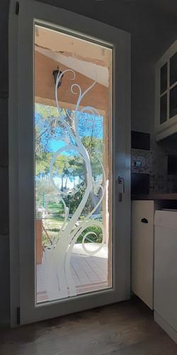 c13 porte fenêtre décorée