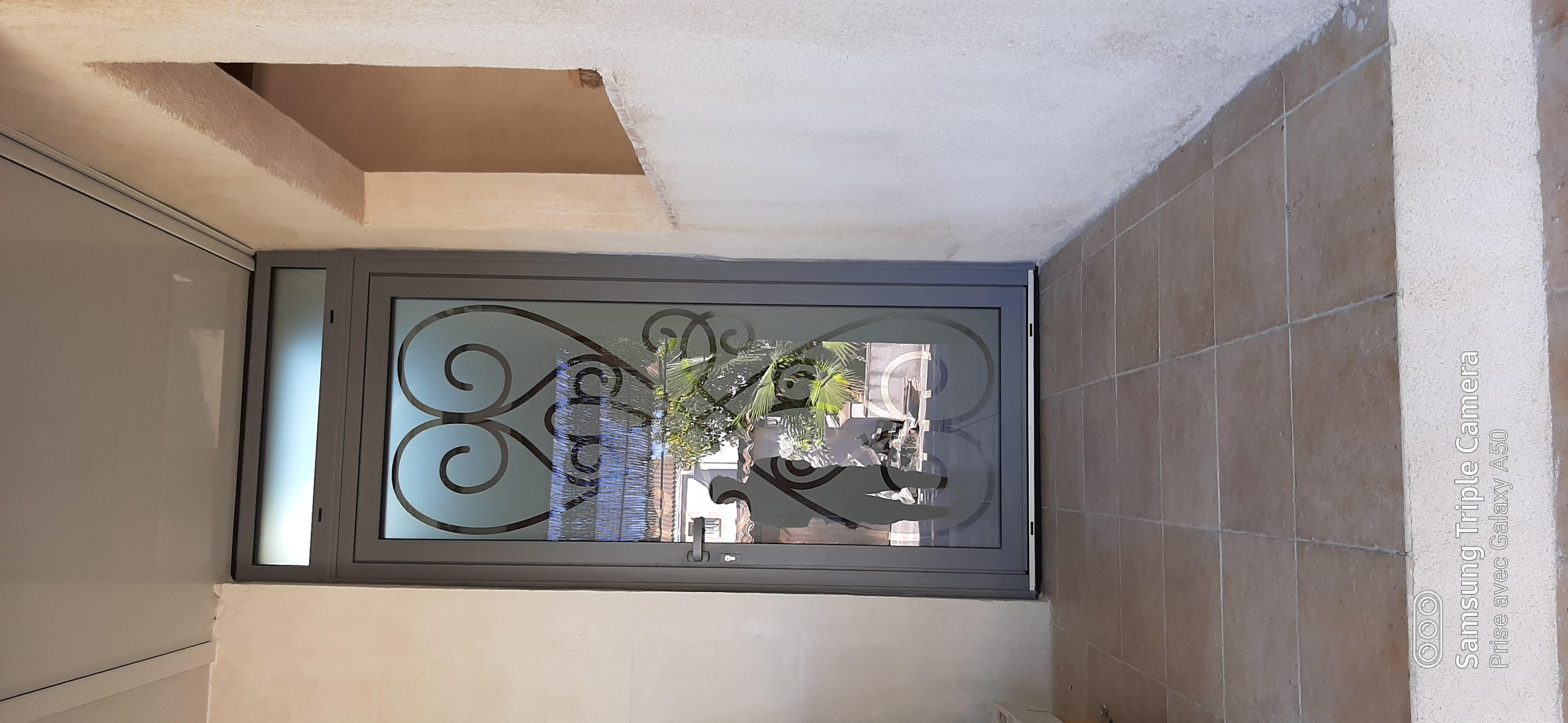 Porte d'entrée aluminium et verre