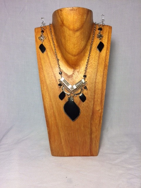 Onyx Necklace and Earrings Set