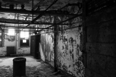 New York Travel: Ellis Island Immigrant Hospital Hard Hat Tour