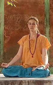 julia roberts meditating in Eat Pray Love