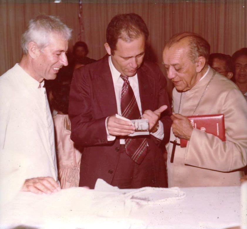 Pe.Luis e Dom Hélder Câmara.jpg