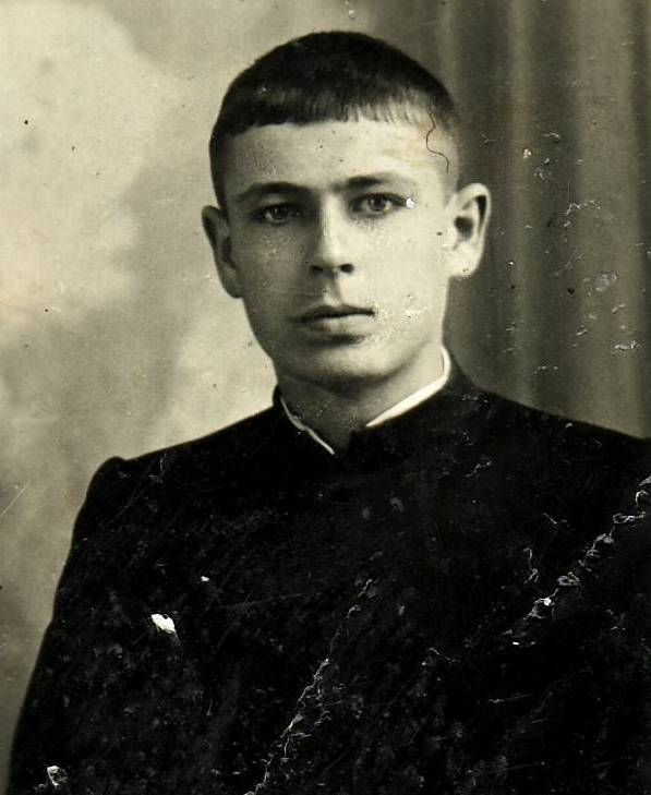 Padre Luis na adolescência