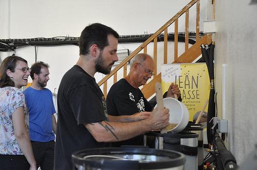 Atelier fabrication de biere jean brasse brasserie artisanale biologique du gers