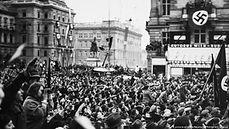 Hitler-Vienna-1938-3.jpg