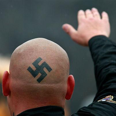 neo-nazi-skinhead-1.jpg