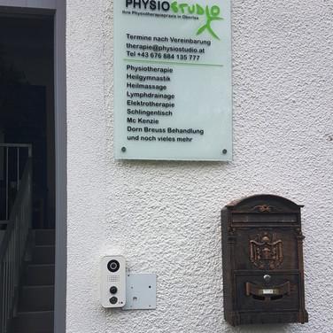 Studio-Eingang.jpg