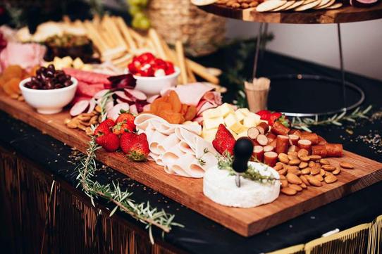 antipasto-grazing-table
