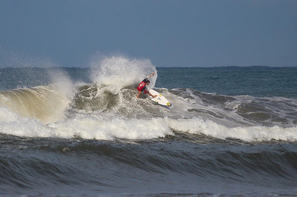 OPENING DAY FOR THE FIREWIRE E-PRO USA PRESENTED BY FUTURES SHOWCASED DYNAMIC PERFORMANCES ON WAVES