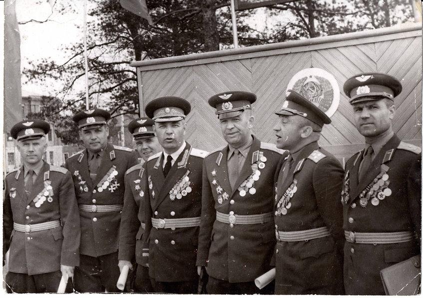 Командиры полков.jpg
