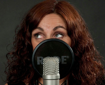 Joanna Lee Voice Over Artist_edited.jpg